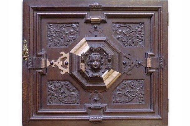 An antique oak door