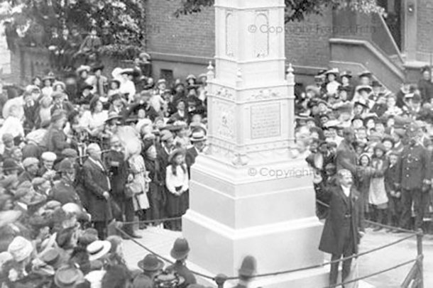 A photograph of the 1907 dedication of the new South Norwood clocktower